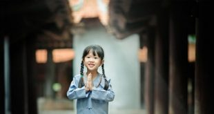 Một số tục lệ thời thơ ấu các bậc cha mẹ cần chú ý