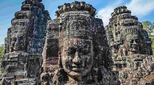 đền angkor wat thờ ai
