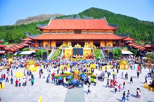 chùa ba vàng lễ hội hoa cúc