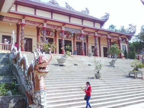 tham quan chùa Ông Núi