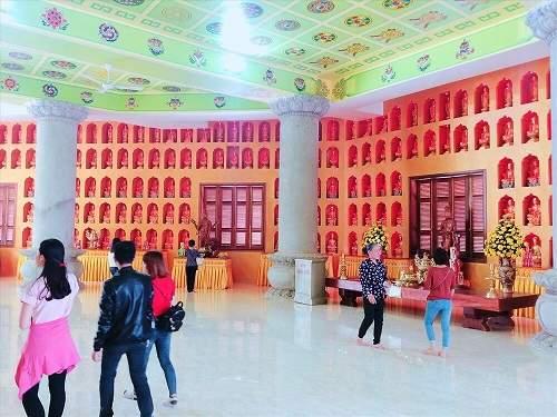 nội điện chùa khai nguyên