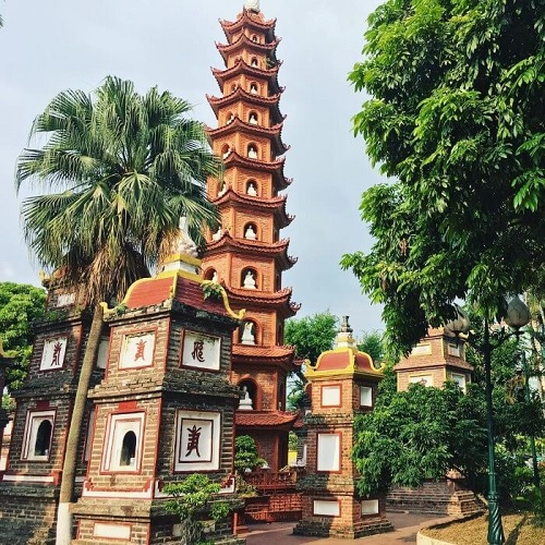 lịch sử chùa trấn quốc