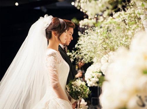 năm kim lâu có cưới được không