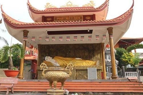 tượng phật trong chùa Bánh Xèo