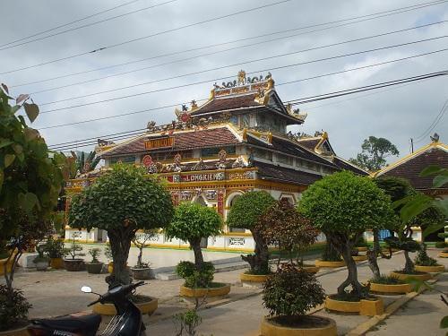 cổng tam quan chùa tây an