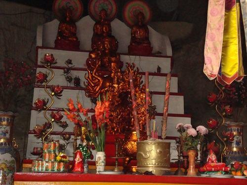 ban thờ mẫu chùa tam thanh