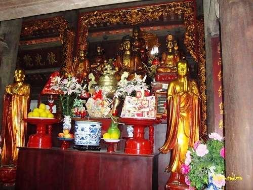 chánh điện chùa kim liên