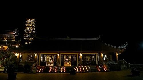 chùa đại tuệ buổi tối