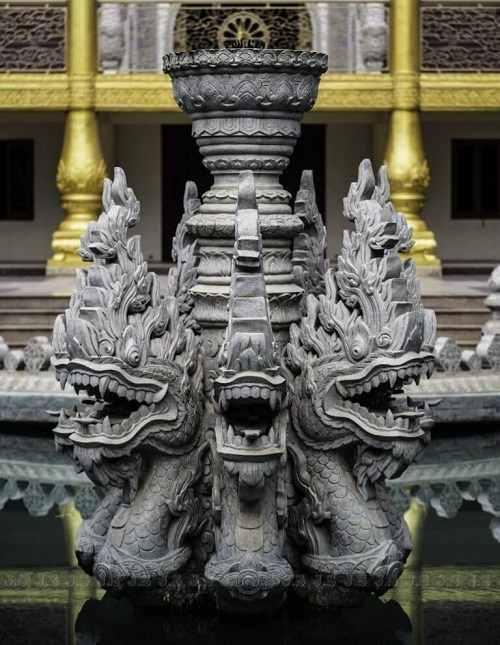 cột đá chùa bửu long