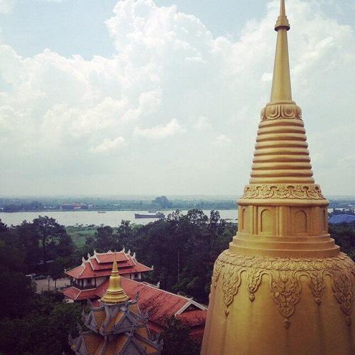 khung cảnh chùa bửu long