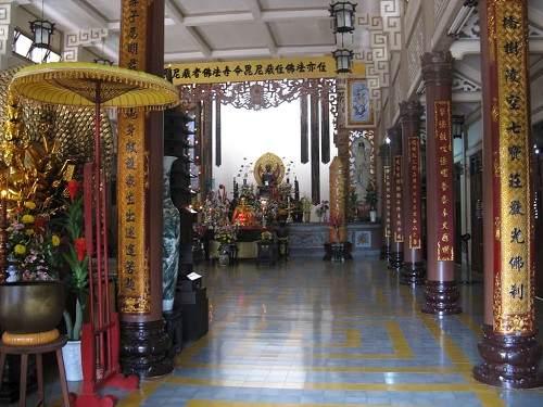 kiến trúc bên trong chùa long sơn nha trang