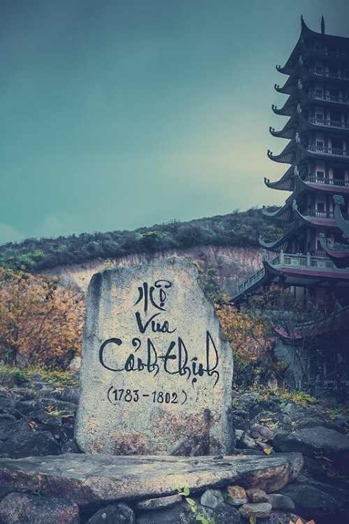 Bảo tháp trong chùa Đại Tuệ