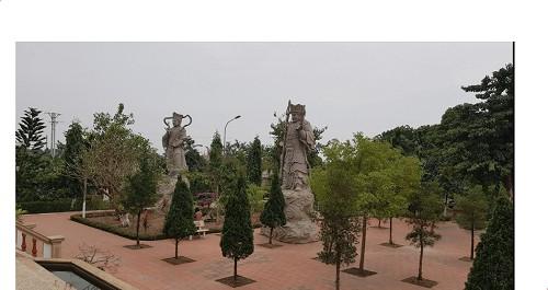 Khuôn viên ngôi chùa Viên Minh