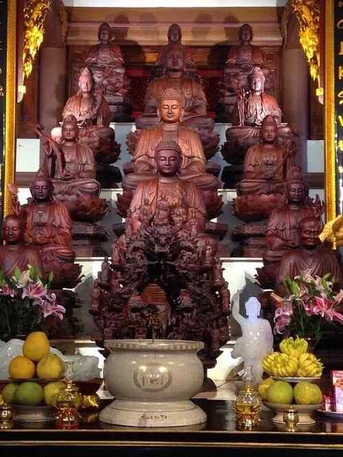 Ngôi bảo điện trong chùa Đại Tuệ