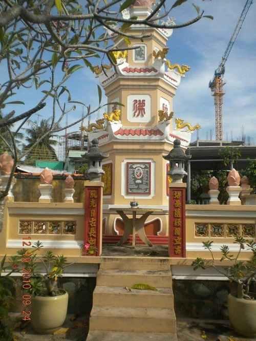 bảo tháp chùa bửu lâm