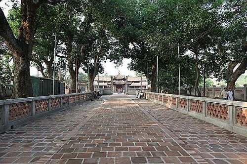 chính đạo chùa Láng