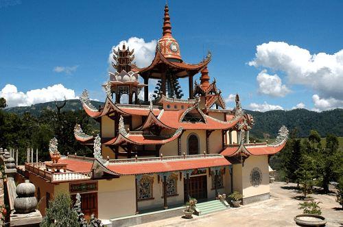 du lịch chùa giác nguyên