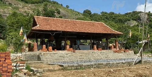 khung cảnh tại chùa thanh sơn