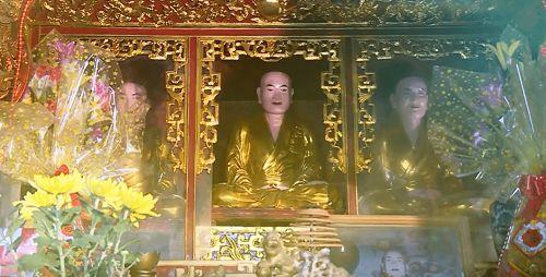 tượng phật chùa đại bi