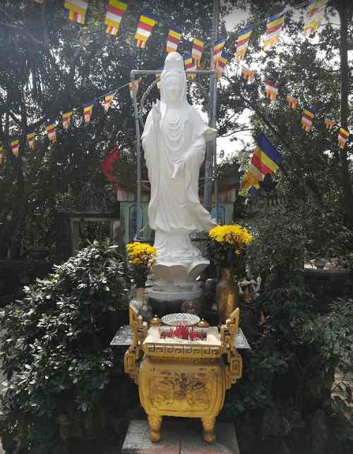 tượng quan tâm chùa quan âm